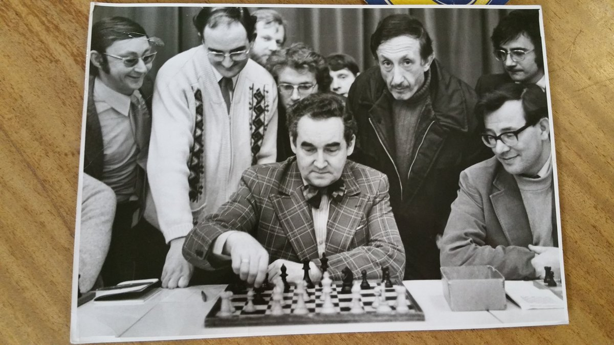 A student of mine sent me this photo of Mark Taimonov visiting their Liverpool club. circa. 1970 #chess