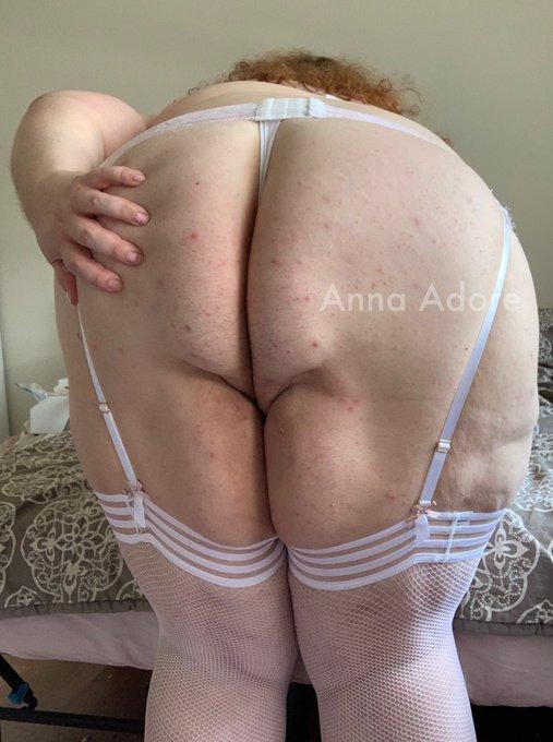 1 pic. 🍑 BOOTY COMPILATION 🍑  167 high resolution booty pics!!  🤩 panties 🤩 thongs 🤩 upskirts 🤩 cheeks