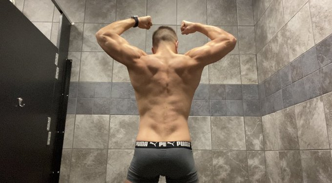 1 pic. Gym's open back up = my cock's back out.  My page is just $4 for a short time.  Remember, no PPV
