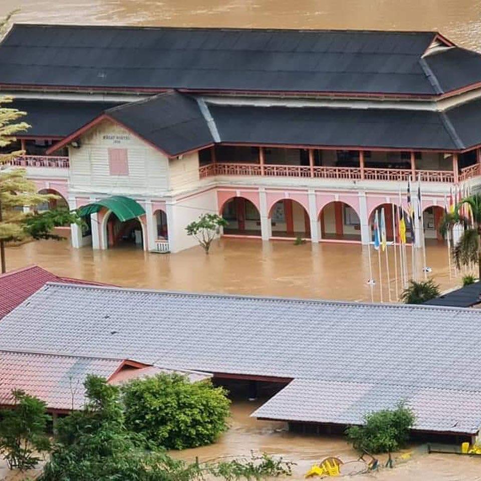 Situasi banjir yang melanda Sekolah Siti Nirhaliza dan hampir seluruh wailayah di Pahang selama beberapa hari terakhir ini.
