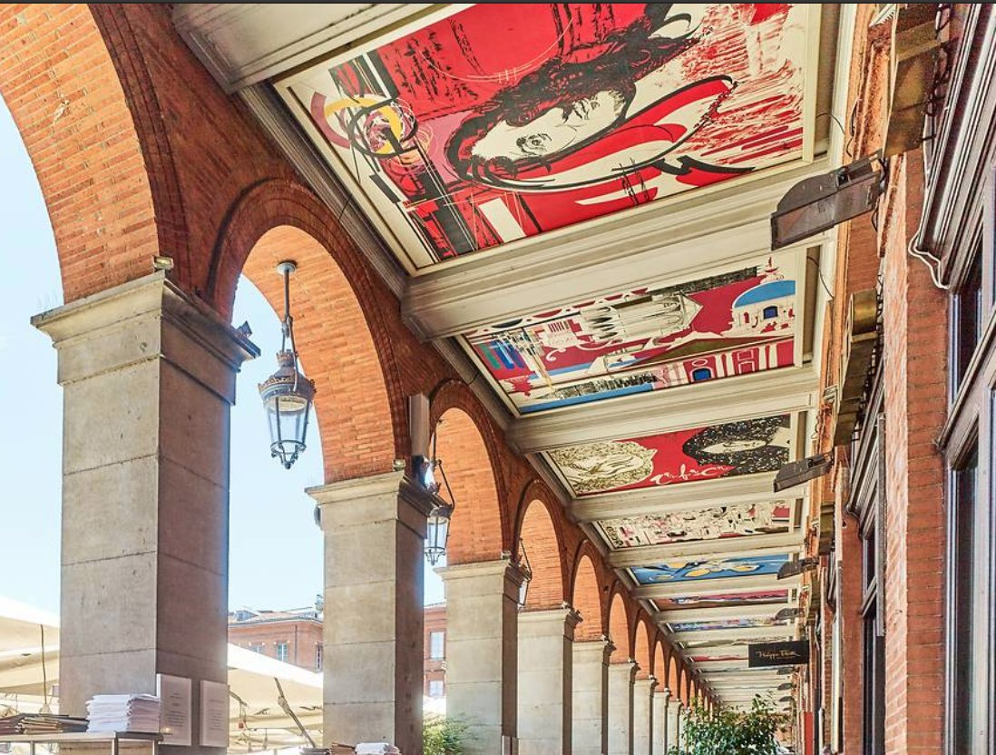 [Did you know?] To discover #Toulouse history at a glance, head for the Place du Capitole arcades and look 🆙 29 tableaux created by Raymond Moretti depict the major events in the city's history 🎨   #visiteztoulouse #Wednesdayvibe  © D. Viet https://t.co/FZURyixiRc
