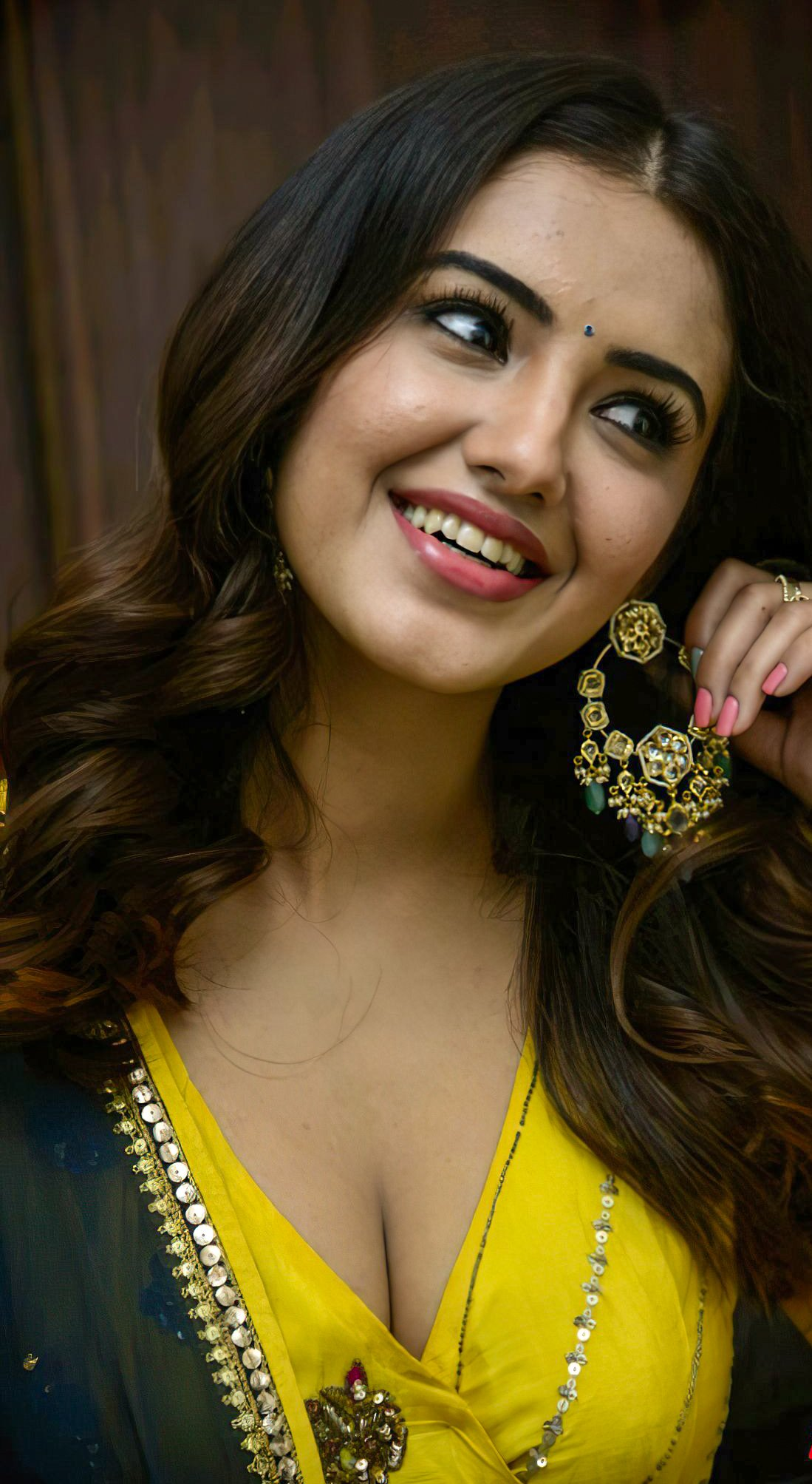 Hot Sexy Malvika Sharma in Yellow
