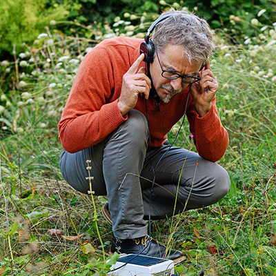 🎶Are you missing the sounds of home🇨🇭? #Biovision made an acoustic inventory of valuable soils which you can listen to from abroad:  🔊👉  #soil #pesticides #insects #WorldSoilDay #soilhealth #soilbiodiversity #SoundingSoil