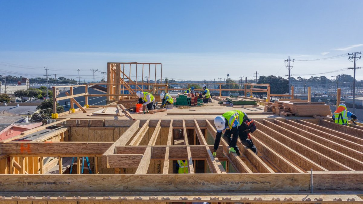 There's a roof-top party in Daly City on January 22nd and you're invited! 🎉   ...and by party we mean volunteering to build 6 #affordablehomes on Geneva Ave!🔨 We have open spots on site on Friday 1/22 from 8:30-4:00.   Join in on the fun: https://t.co/vRrfFNKMAr https://t.co/faLb28wlZJ