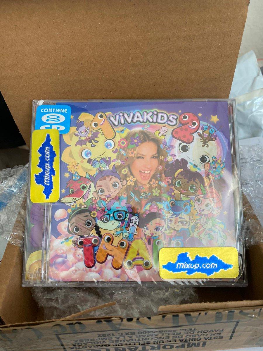 Aqui esta mi CD de Viva Kids Volumen 1 y 2 😍 @thalia #VK1 #VK2 #VivaKids #Mixup #Thalia