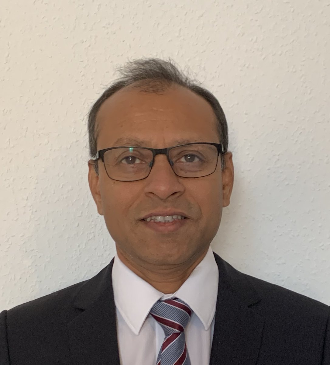 """Shirish Joshi, CEO of Maxer Endoscopy, says: """"Light is the key!"""" Read more about the potential of fluorescence imaging technologies, #AR as an enabler for the surgery of the future, and why innovations in endoscopy need the best light! https://t.co/ieBzprj2r2 https://t.co/tEVnaY95X2"""