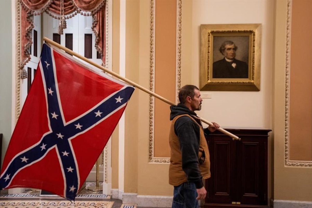During the four years of the Civil War, the confederates never got closer to Washington than Fort Stevens. Until today, when insurrectionist supporters of @realDonaldTrump paraded through the U.S. Capitol Building carrying the Confederate battle flag.