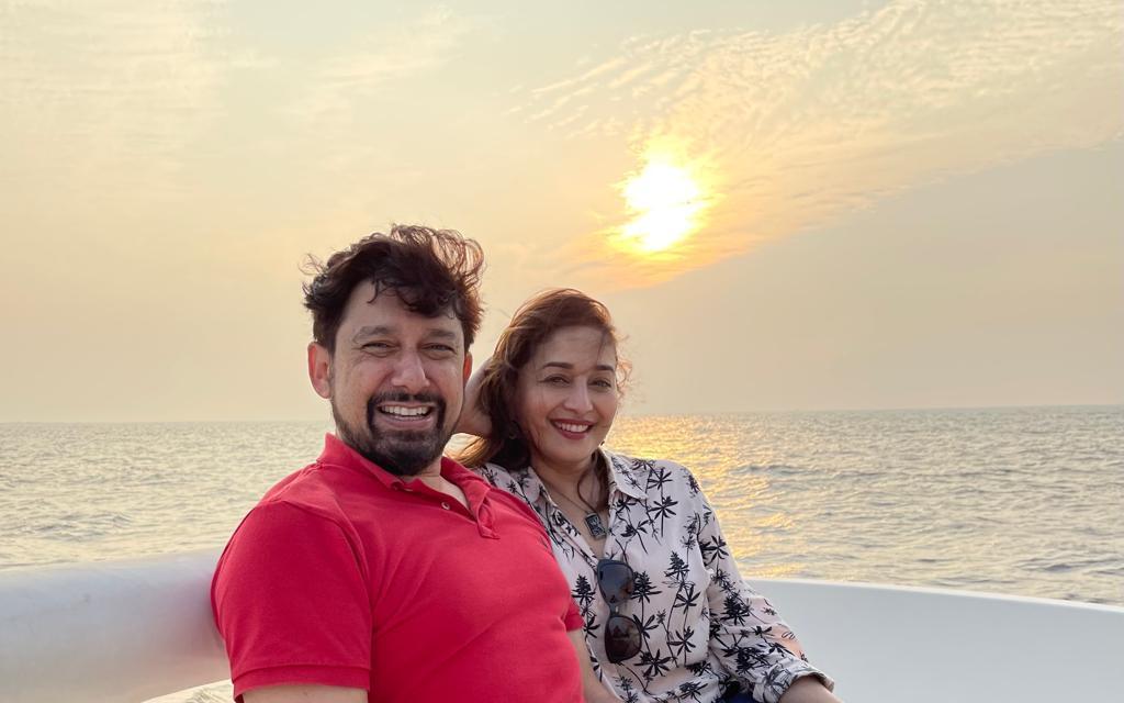 Sea + Breeze + Sunset= Perfect start to #2021