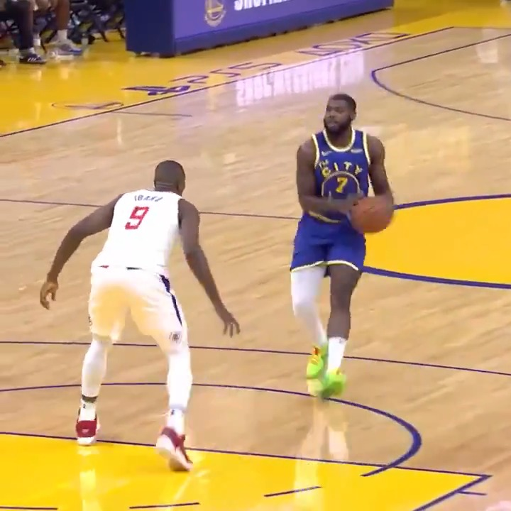 Eric Paschall has scored 7 quick points in Q2 on ESPN.  Warriors 27 Clippers 32 https://t.co/Dq7mIM1A69