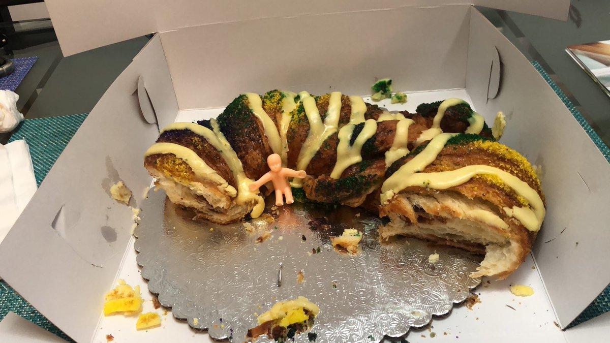 @noevalleybakery beyond delicious 🤤😋 #kingscake #rosca #losreyesmagos