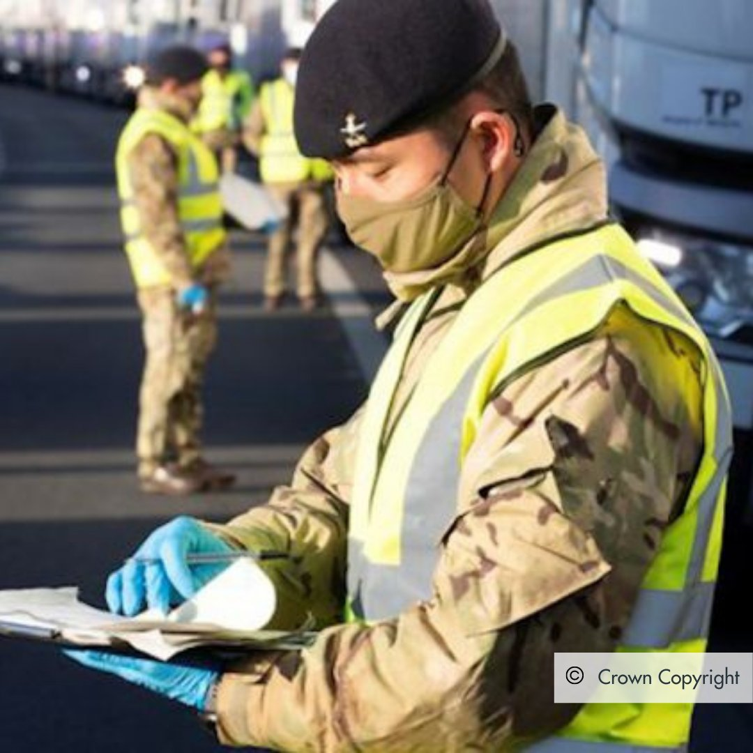 Military personnel are assisting at 20+ new #coronavirus testing centres for hauliers crossing the Channel to France. To keep traffic moving, 'lateral flow devices' are being used to test drivers quickly. Many thanks to all keeping the country moving, healthy and secure in 2021.