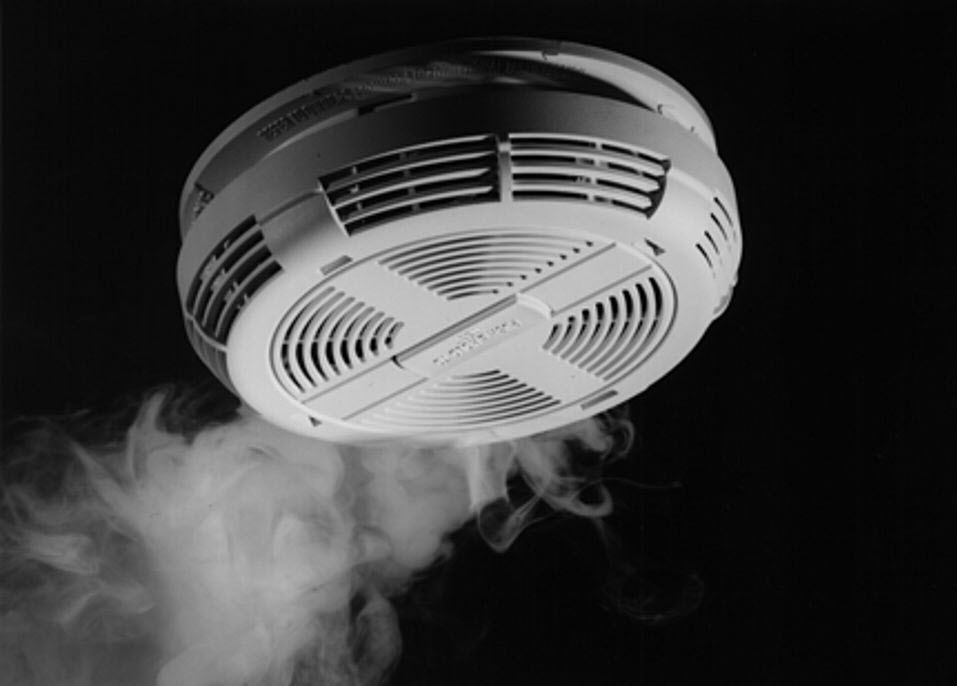 66 Fire deaths in 2019, 113 in 2020 in province. We must do better. Ensure you have working smoke alarms in your home & a fire escape plan with 2 ways out #FireSafetyIn2021 #StaySafe @richardhepditch @rschube04 @WPFFA791 @OAFEOntario @A_Deputy_OFMEM