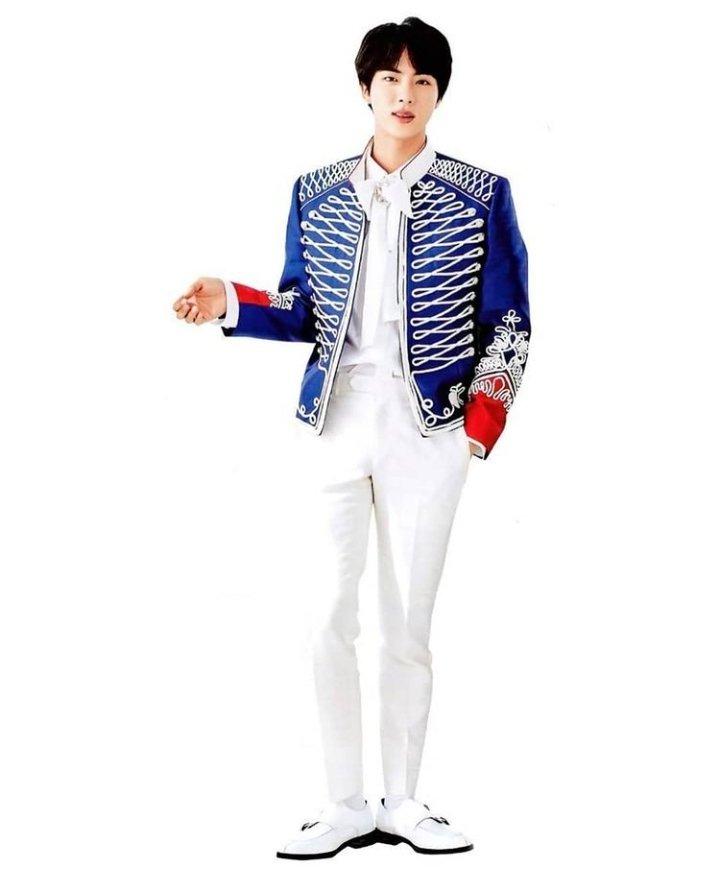 The King of heart : Kim Seokjin 👑 . . #석진  #KIMSEOKJIN #BTSJIN #JIN  #BTSARMY #jinkook #taejin #jinmin #namjin #2seok #Yoonjin #BTSBEonTopChallenge #PICKUPJIN #maplestoryforjin #AbyssByJin  #Dynamite28thWin #Actor_KimSeokjin #BTS_HLA2021 #BTS_Dynamite #THANKYOUJIN
