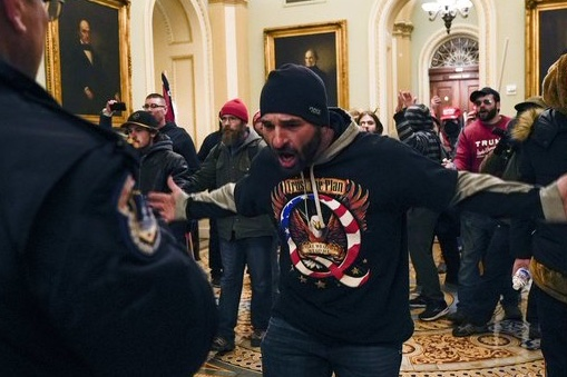 The upside of MAGA not wearing masks to keep from spreading COVID-19 is that it makes it way easier to ID the idiots who stormed the capitol building.  That's how you know they aren't ANTIFA.  No masks. #CapitolHill #CapitolRiots #thursdaymorning #waytooearly