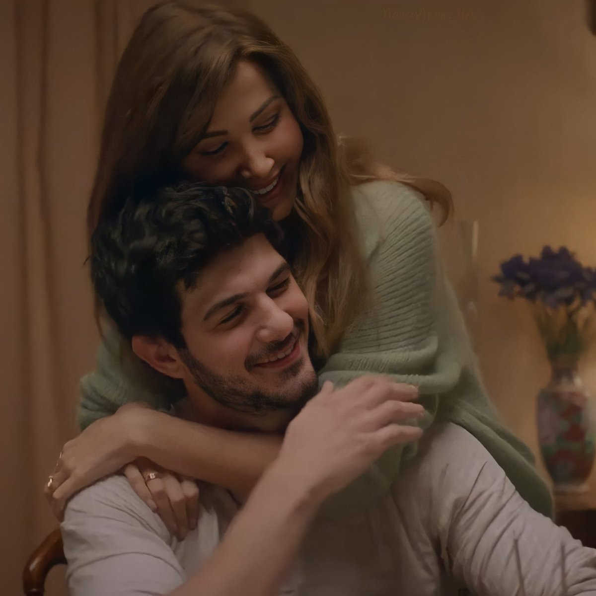 Watching it again and again! i've never related to a song as much as i did!  i'm afraid to live this situation in the future💔🇱🇧 @NancyAjram   #الى_بيروت_الانثى