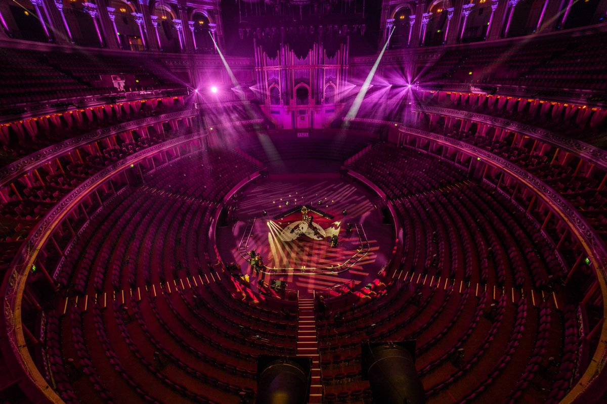 My show at @RoyalAlbertHall will be screened this Sunday🥳 if you've preordered the album from my website you can see it for free😇 all broadcast details will be emailed to you tomorrow. If you haven't preordered and fancy watching the show, head over to my website for details...