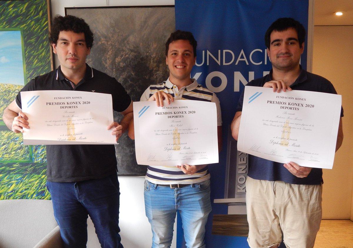 ♟@SandroMareco, @alan_pichot1 y Federico Pérez Ponsa ya pasaron por las oficinas de la Fundación a retirar su Diploma al Mérito de los #PremiosKonex a los mejores #Ajedrecistas de la última década en la #Argentina. ¡Felicitaciones!  #ajedrez #chess #grandmaster