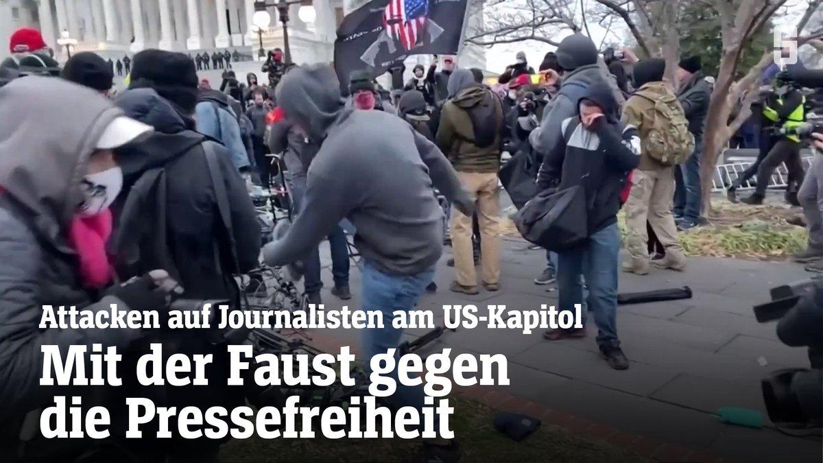 Ein ZDF-Team wurde angegriffen, die ARD-»Tagesthemen« mussten die Liveschalte abbrechen: Bei den Ausschreitungen am #Capitol in #WashingtonDC sind Journalisten und deren Ausrüstung vom wütenden Trump-Mob attackiert worden.