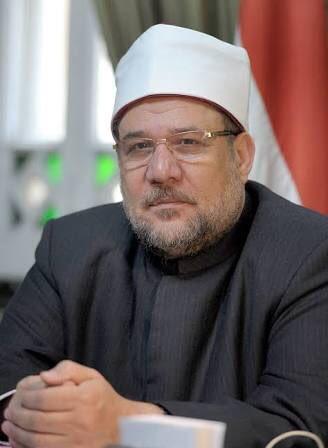 وبدأت الأوقاف في حملة على المساجد..الوزارة تقرر غلق 60 مسجد في عدد من المحافظات والسبب تجاهل كورونا