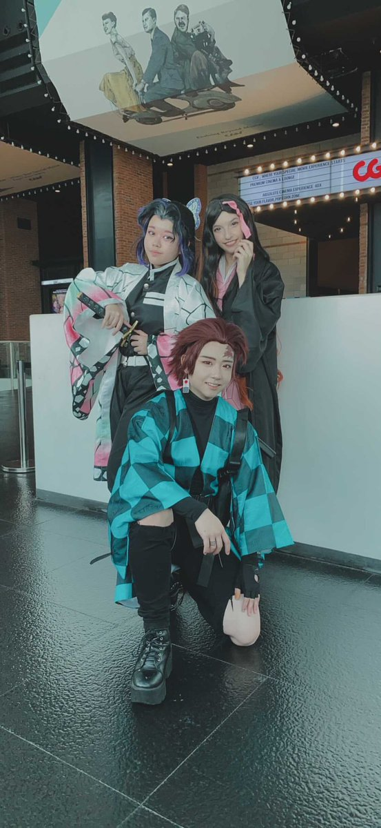 My demon slayer gang! I still can not get over this day haha it was so emotional and fun. Nezuko :me shinobu: @HarucchuruMaru tanjiro: akiro #demonslayer #DemonSlayertheMovieMugenTrain #DemonSlayerMovie