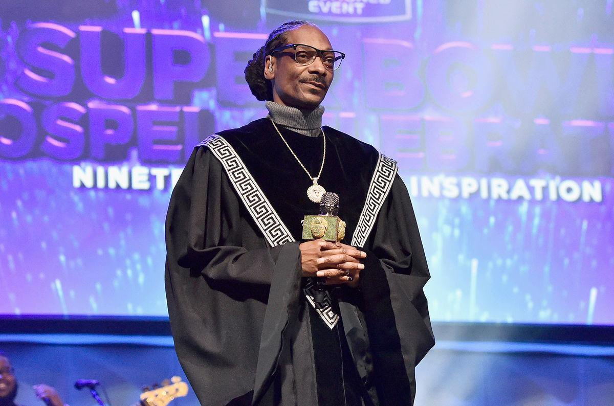 Replying to @thoughtfulbae: Snoop Dogg just be doing shit tbh.
