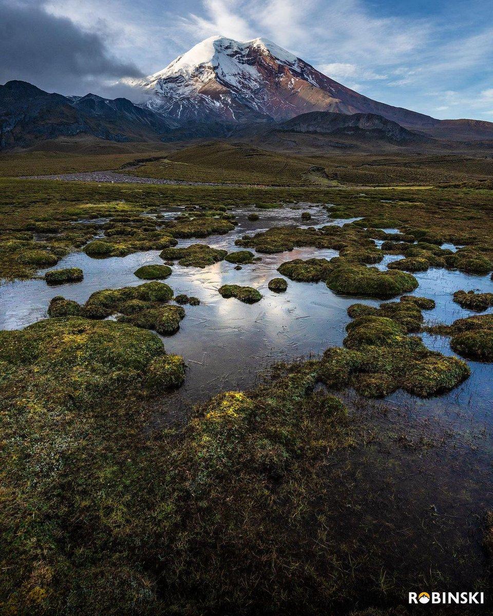 ★ CHIMBORAZO 🇪🇨 🗻 . Espectacular paisaje que parece de otro planeta. 📸: ROBINSKI ❤ #Riobamba 👉 https://t.co/4pGm8LLY3x https://t.co/pvek6MtFae