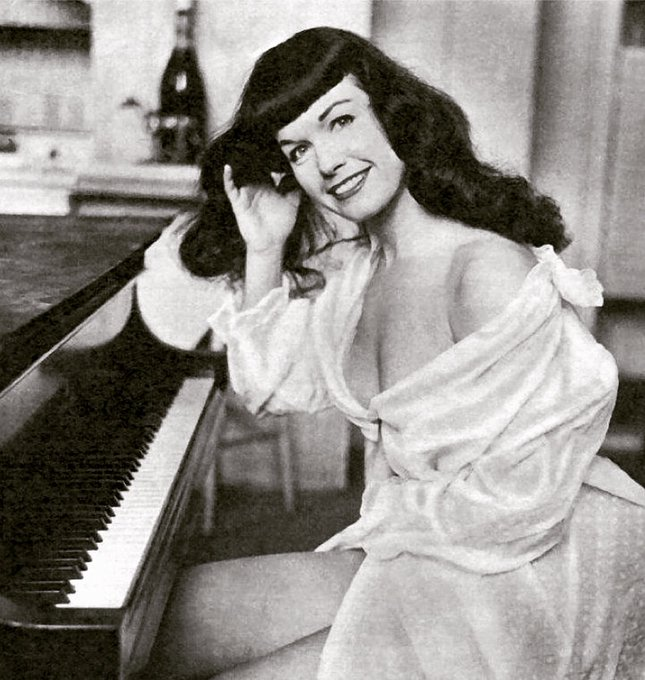 Bettie on the keys! 🎶🎹 In a letter that appeared in the book Bettie Page: The Lost Years, Bettie mentions