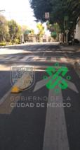 Policías de #TránsitoCDMX realizan dispositivo para la recuperación de ciclovía en calle La Quemada hasta Av. Universidad, col. Narvarte Oriente, @BJAlcaldia, para agilizar la vialidad e inhibir el estacionamiento prohibido. #MovilidadCDMX #QuédateEnCasa