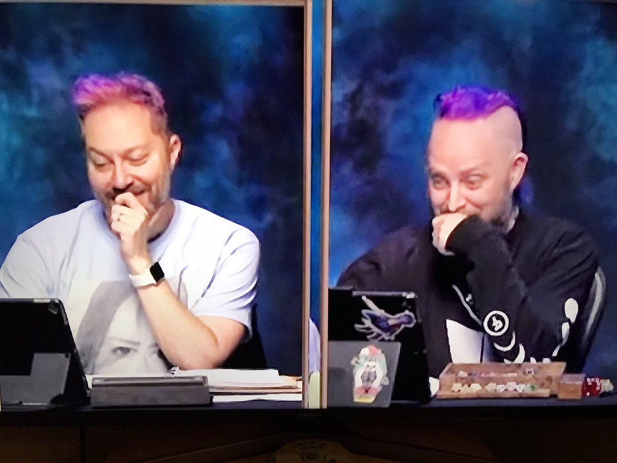 Love the twins on @CriticalRole!! Can't wait for next Thursday!! #IsItThursdayYet #CriticalRole #sciencebros 💜💜💜@samriegel @executivegoth