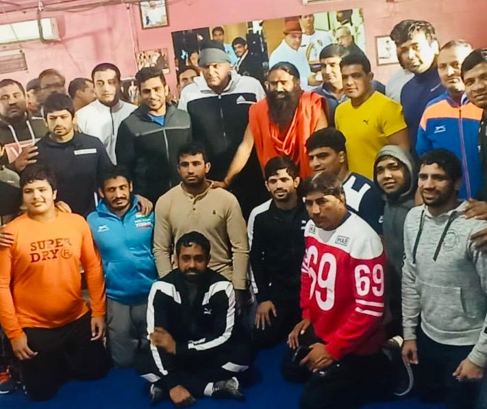 Morning Yoga session with @swaamiramdev ji at Chattrasal Stadium along with Guruji @SatpalMahabali 🙏🙏  on @indiatvnews