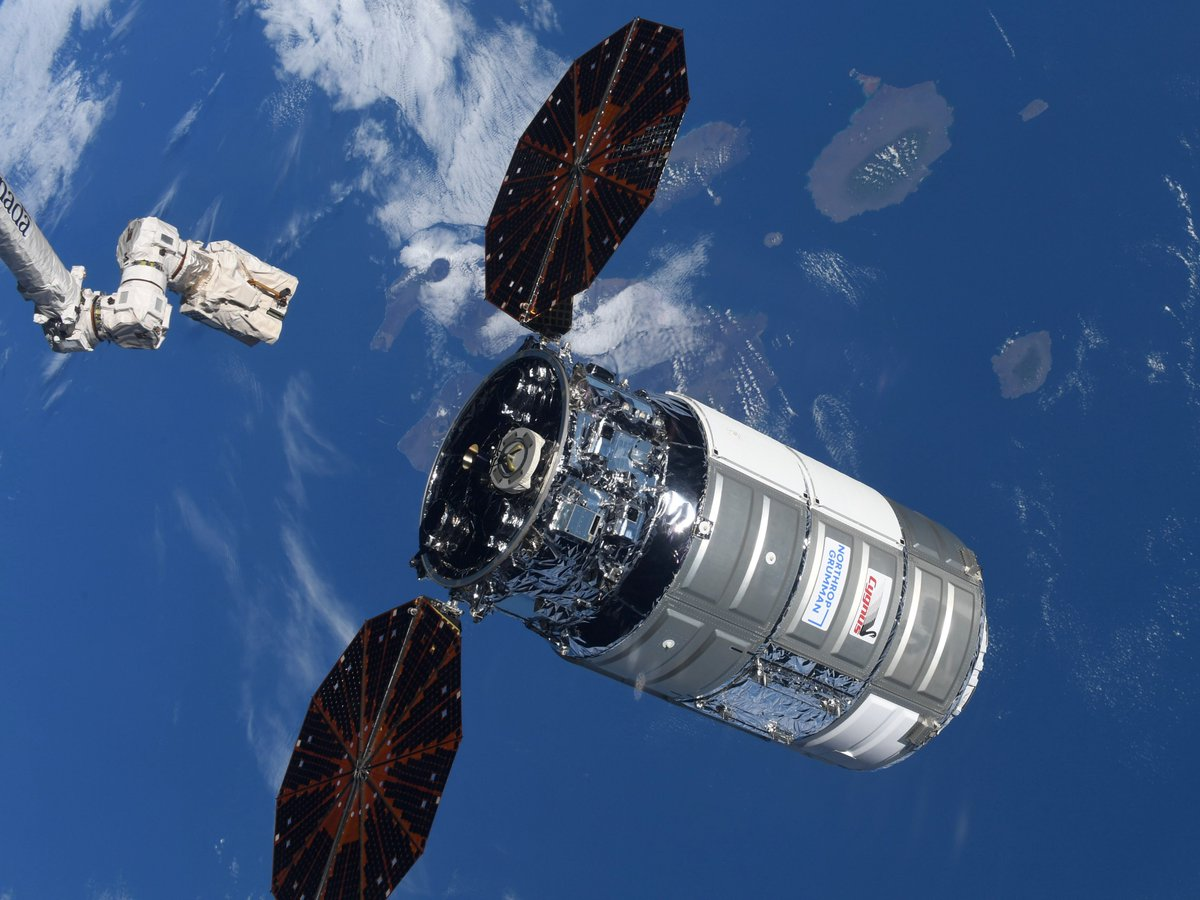 #Cygnus cargo spacecraft #NG14 departed from #ISS over #Galapagos island. シグナス宇宙船、#ガラパゴス諸島 の真上でISSから分離しました。