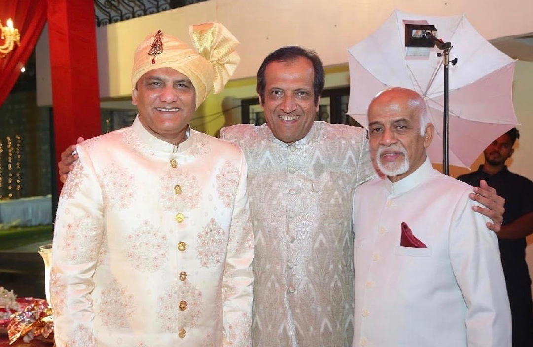 Three cricket captains ….. hmm, let's just say of various levels - at Anam-Asad's wedding last year! 😁 Flanked by Mohd. Azharuddin and my cousin, Mirza Faiyaz Baig, who kept wickets for Hyderabad.