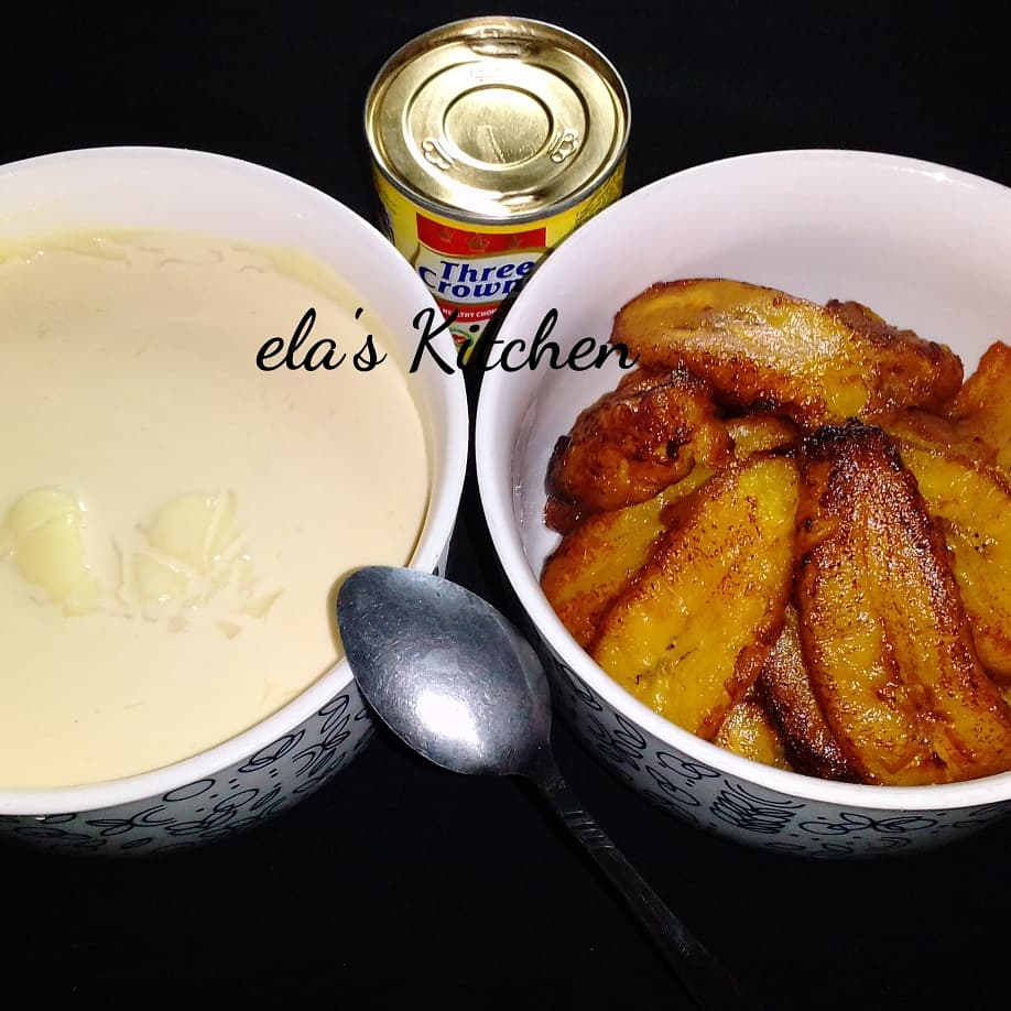 Setting this up and taking pictures was a test for me. I couldn't wait to start eating.  Good morning.  What's for breakfast at your end?  #elaskitchen  #friedplantain  #Ogi  #nigerianfoodie https://t.co/GlrjqvJE7m