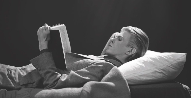 Today marks five years (as #ZiggyStardust sang) since #DavidBowie died. When asked what his idea of happinesswas, he replied, reading, and compiled a list of 100 books that changed his life. Reacquaint yourself with the man and his extraordinarywork. bit.ly/3ntCkmi