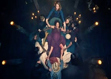 Watching Lilith gives birth while surrounded by a coven of Hecate witches using their powers to share