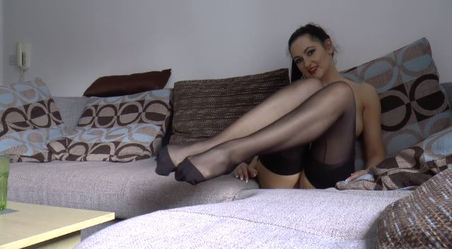"""I just added a new clip - """"Stockings & Feet JOI"""". Watch it at https://t.co/9jWnbhjlOS https://t.co/D"""