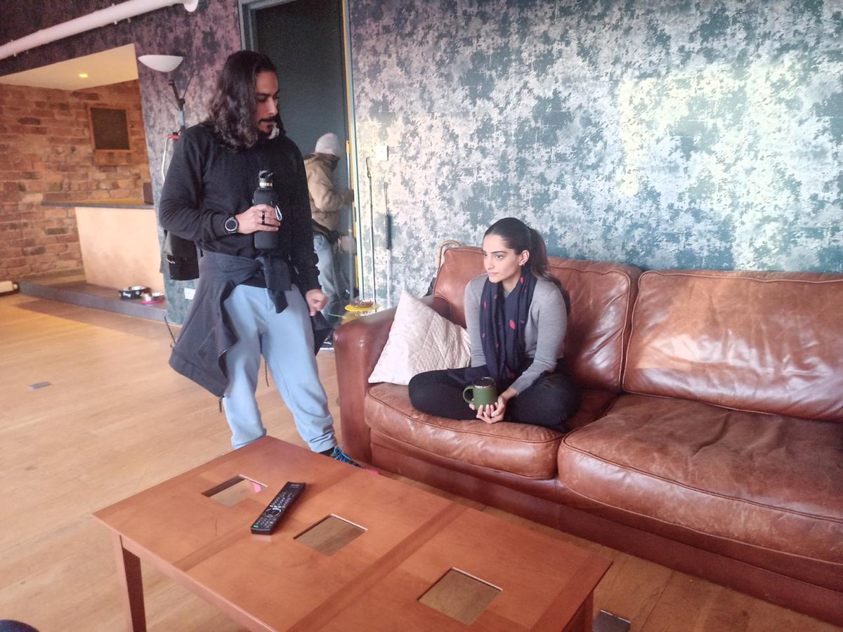 Check out this unseen picture of @sonamakapoor rehearsing with filmmaker #ShomeMakhija for their next #Blind, in Glasgow.