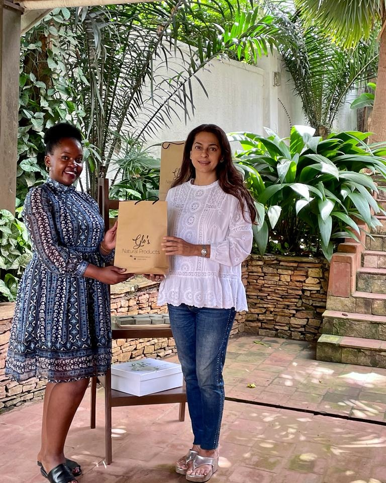 Stopped by at Soul Africa , Kampala . Thank you for the Organic goodies Shamira . Gloria here hand makes the Shea Butter , Coconut oils, Nettle Tea .Going to indulge in the goodness . 👍🌿💕