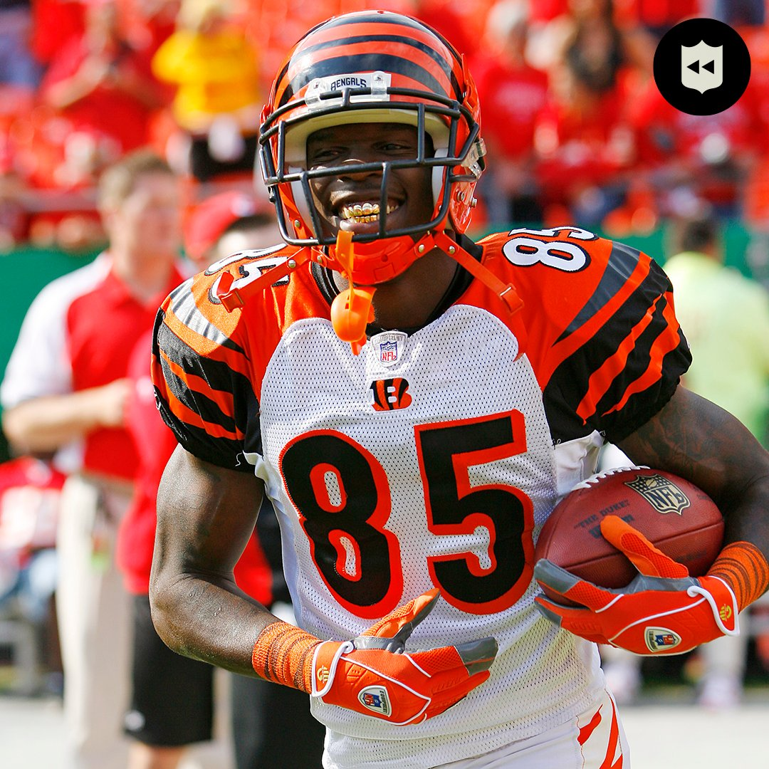 Happy birthday to the one and only @ochocinco!  🙌 6x Pro Bowler 🙌 766 receptions 🙌 11,059 receiving yards https://t.co/3b7DYpFWF9
