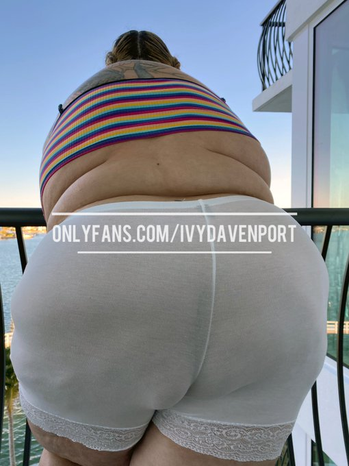 All this ass and no face to sit it on. Such a shame. New set on my OF. 💓 https://t.co/c2OHiHvyxJ