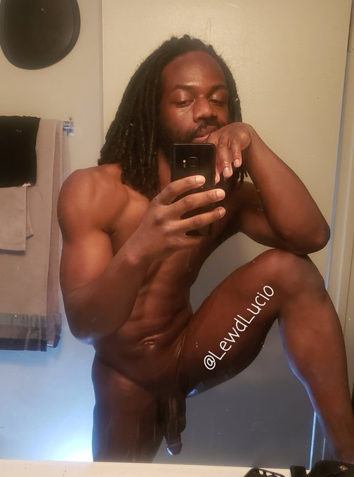 Good morning fam☆ Let's get up and get at it 💪🏾💪🏾   My onlyfans is still 40% ($3) for the next 15 people