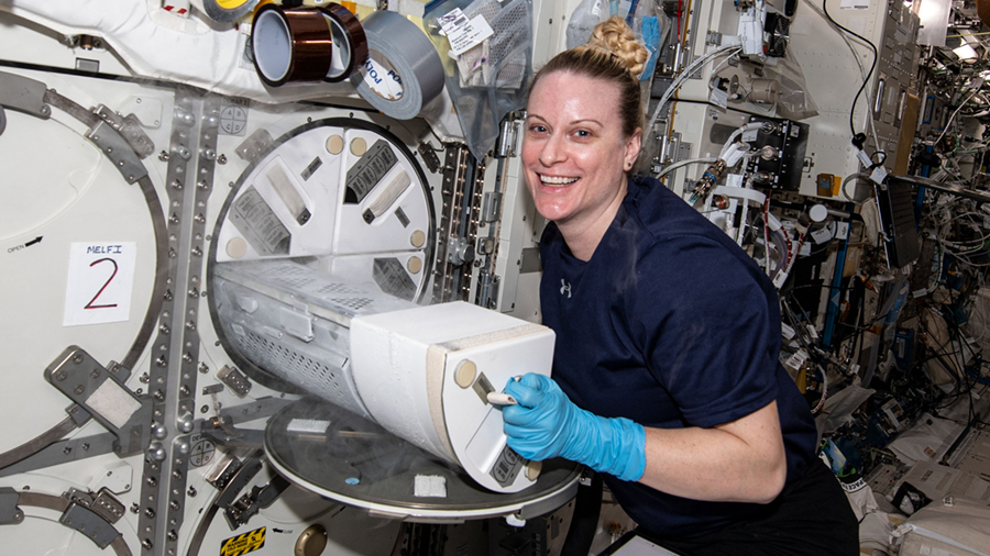 The Exp 64 crew is packing the @SpaceX #CargoDragon for a Monday morning undocking and preparing for a pair of January spacewalks. More... go.nasa.gov/3s95ieG