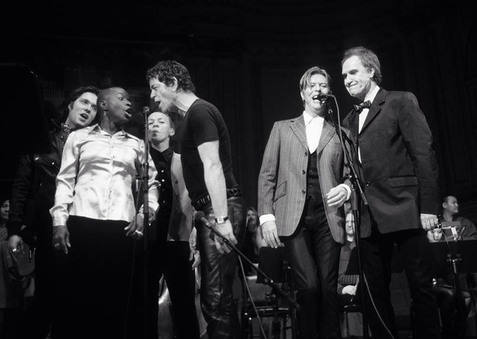 Remembering @DavidBowieReal on his birthday today. Here's a wonderful memory from @philipglass's @TibetHouseUS concert in 2003 at @CarnegieHall singing with him Laurie Anderson, @LouReed, and Ray Davies. 📷: Fernando Aceves #DavidBowie