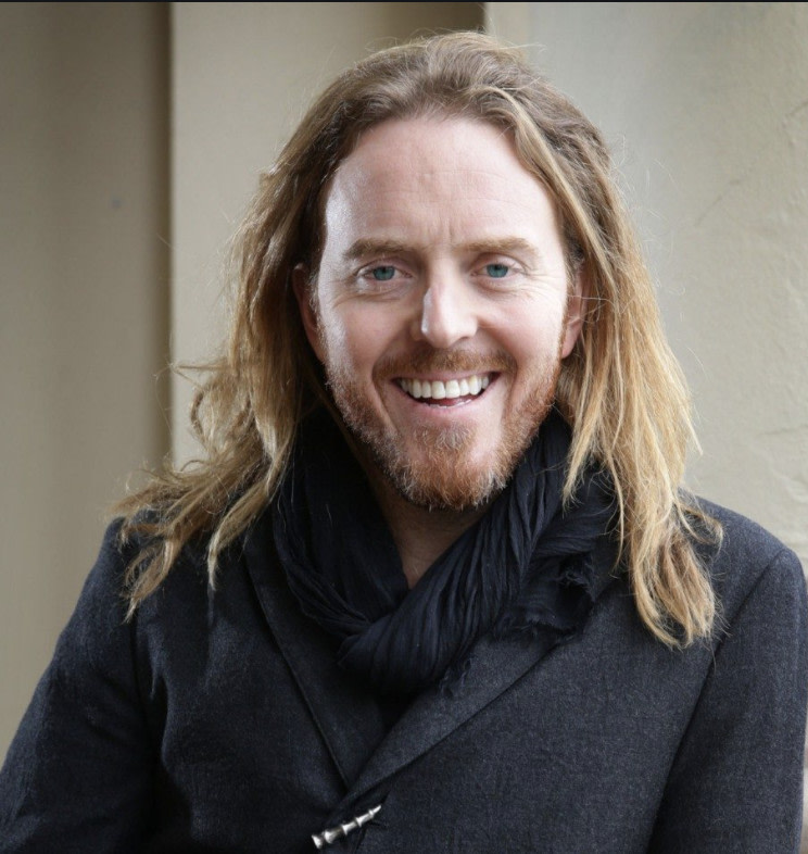 "Musician and comedian Tim Minchin, @TimMinchin, talks with Paul about his new, debut studio album ""Apart Together"". They also dive into the journey that brought Tim to where he is today and discuss what it's like to live in the melancholy."