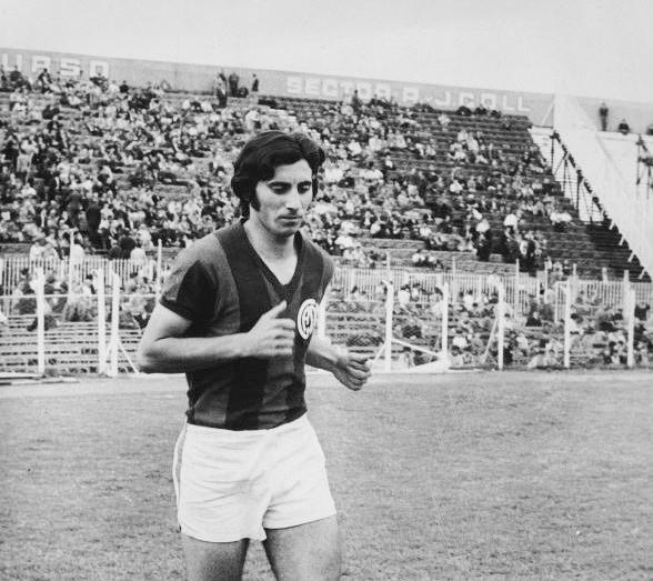 🐭🔝 Goleador implacable del equipo que ganó el bicampeonato en 1972, Rubén Ayala surgió de las Inferiores de #SanLorenzo para convertirse en una de las grandes figuras de nuestra historia.  🎂 Hoy, en su 71° cumpleaños, lo saludamos con cariño y gratitud. ¡Felicidades, Ratón!