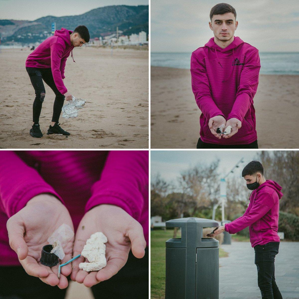 Si hablamos de #sostenibilidad yo tengo mi propia regla de 3️⃣ #itemsrule Es muy sencilla:  Cada vez que voy a la playa o a la montaña 🏖️🏞️ recojo tres objetos de plástico/residuos y los tiro al contenedor ️🗑️✔️  #kickoutplastic @KickOutPlastic1