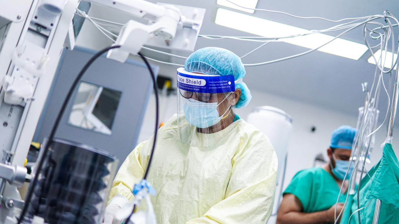 Tercer día consecutivo con más de 300 casos confirmados de coronavirus