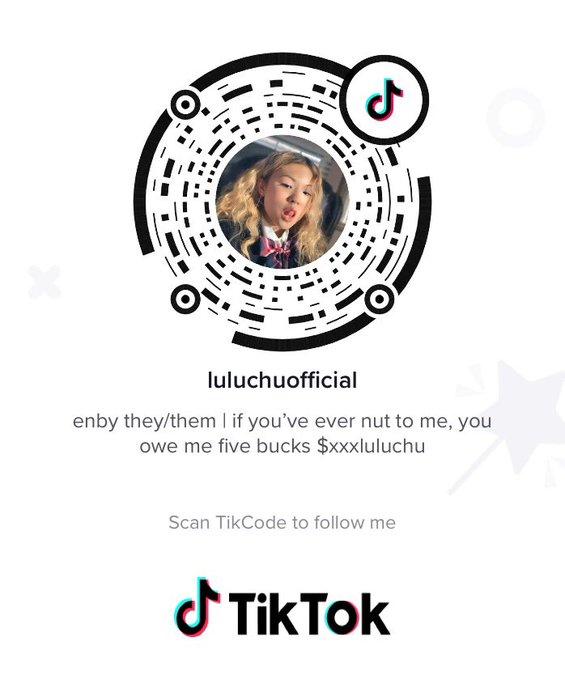2 pic. you guys i finally downloaded tiktok pls follow so I'm not lonely https://t.co/XXO4Ngn84b https://t
