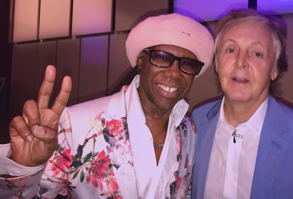 "Paul McCartney revela os segredos por trás de escrever ""A Day In The Life"" e ""Jet"" com Nile Rodgers #paulmccartney #johnlennon #nilerodgers #deephiddenmeaning #AppleMusic #TheBeatles"
