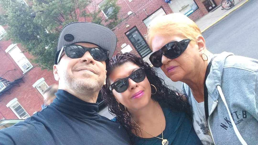 @DonnieWahlberg @BlueBloods_CBS @CBSTweet @NYCDDubFanAnnB Thank you. Love you my brother. Sending #Twugs from NYC.